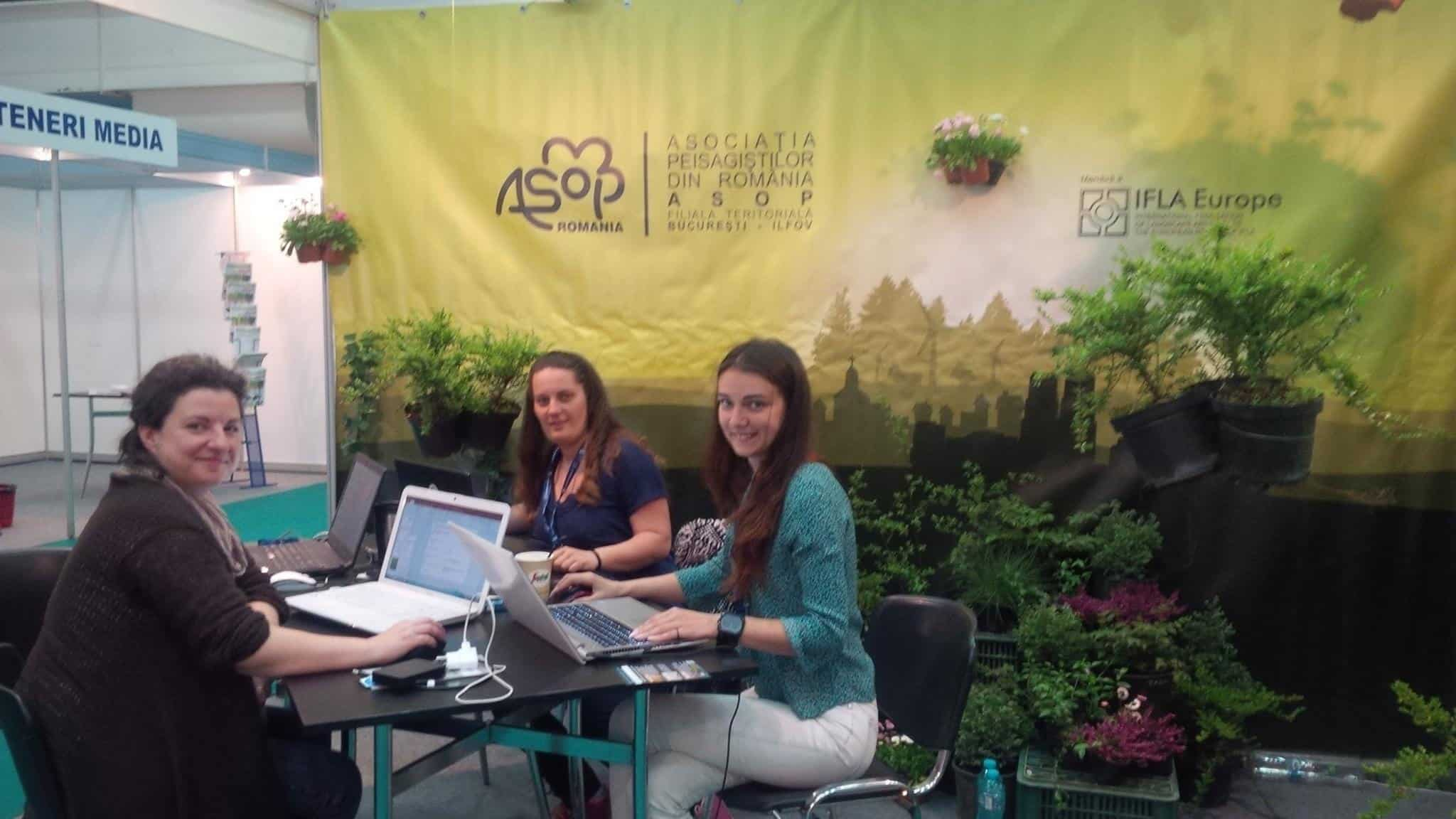 representing the professional association of Romanian landscape architects at a national exhibition (photo: AsoP Romania)