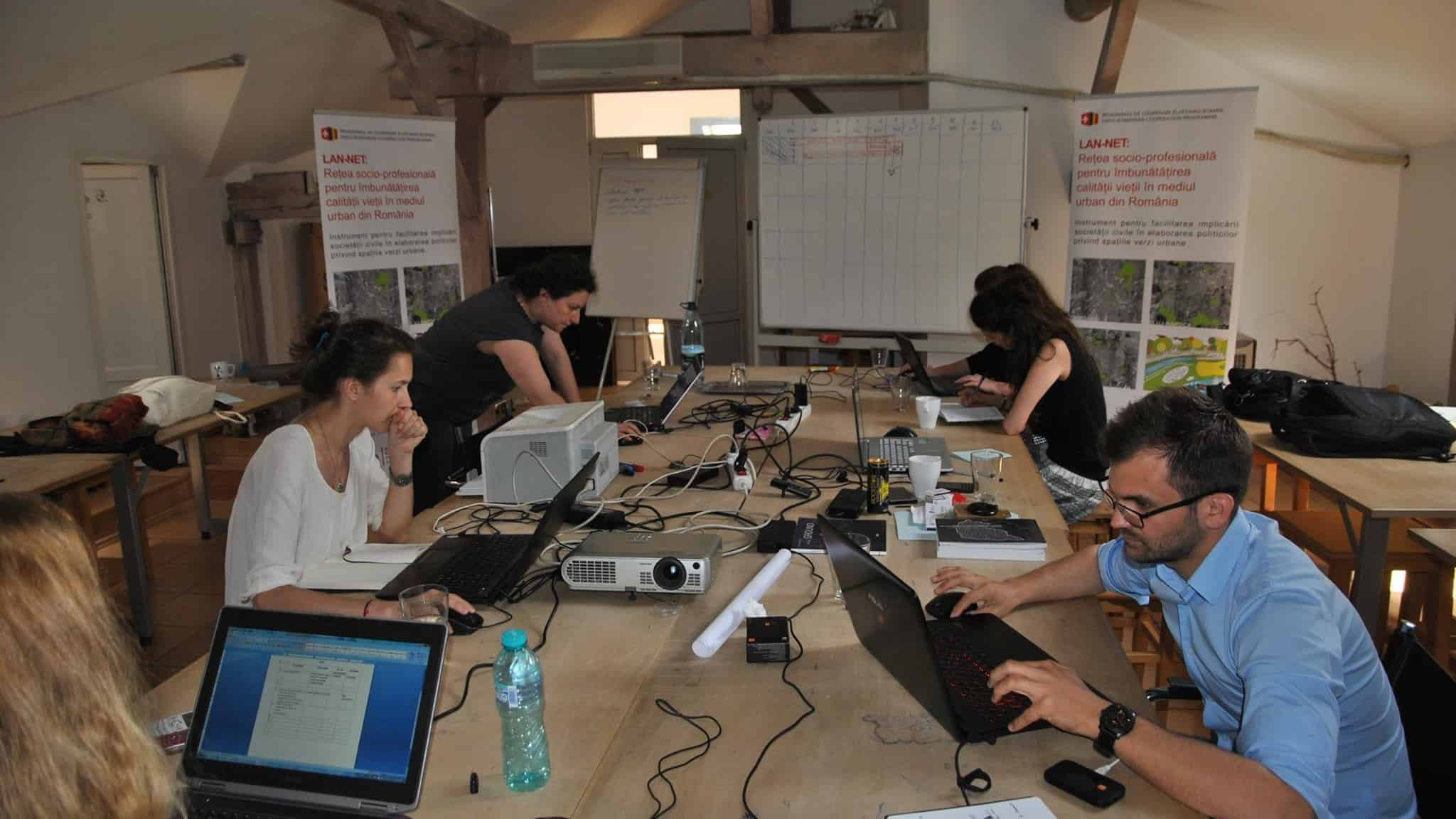 working within AsoP Romania team on LAN-NET project  (photo: AsoP Romania)